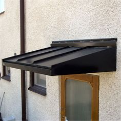 Entrétak Designtak Classic - Entrétak - Ytterdörrar - Bygghemma.se Door Canopy Modern, Modern Entrance Door, House Entrance, Metal Awnings For Windows, House Awnings, Windows And Doors, Front Door Awning, Door Overhang, Glass Porch