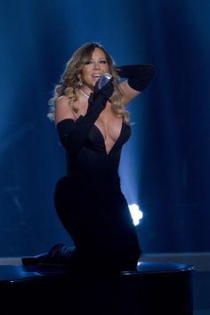 Mariah Carey Flaunts Curves in Gravity-Defying Dress | Fox News Magazine