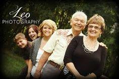 Znalezione obrazy dla zapytania family photography with grandparents