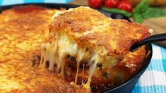 Just dare something new, for example mashed potato casserole. Mashed Potato Casserole, Cheesy Mashed Potatoes, Shepherd's Pie, Cuban Dishes, Canned Blueberries, Scones Ingredients, Paleo Sweet Potato, Irish Recipes, Potato Dishes
