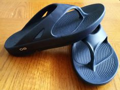OOFOS Sandals Review #feeltheOO