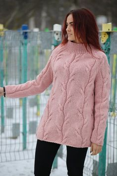 Hand Knit Slochly Sweater For Women Loose Sweater Warm image 3 Hand Knitted Sweaters, Warm Sweaters, Loose Sweater, Pink Sweater, Handgestrickte Pullover, The Body Shop, Sweater Fashion, Cardigans For Women, Hand Knitting