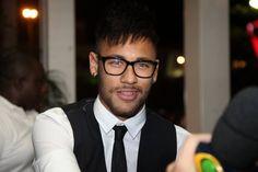 Neymar (Foto: Claudio Andrade e Thiago Andrade / Photo Rio News) Neymar Jr, Neymar Football, Neymar Barcelona, Sport, Daddy, Barcelona Fashion, Star Wars, Saints, Restaurant Steak