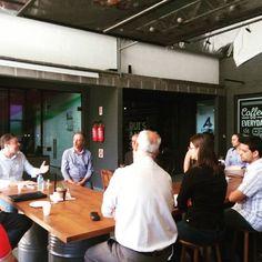 Pauta Café com o prefeito Napoleão Bernardes agora na Offcina Coworking. #assimvi #prefeito #blumenausc #imprensa #jornalista #pautacafe