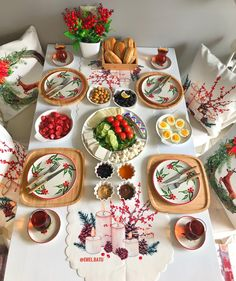 Food Table Decorations, Food Decoration, Smoothies With Almond Milk, Easy Party Food, Breakfast Toast, Baked Yams, Fiber Foods, Kinds Of Salad, Food Items