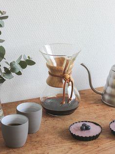 Slow Coffee x Chemex   Peek Inside