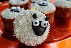 Cute sheep, eyes are a little big. Farm Animal Cupcakes