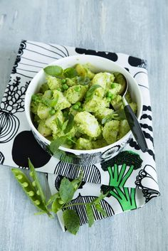 Hernepesto-perunasalaatti