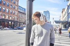 Put on the Boundless H3, and understand why it's on everyone's must-buy list here at Icon Q. With its soft padding and pure, enveloping sound, these Bluetooth and NFC-enabled headphones inspire premier listening. The built-in mic also makes the Boundless H3 ideal not only for music listening, but for talking hands-free or using with your computer.