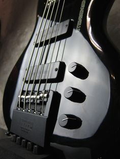 Steinberger XQ-25W '94 / bartolini / Black http://www.waku-ya.com/product/842