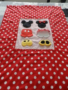 Mickey and Minnie Mouse Baby Quilt.