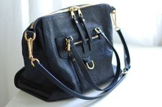 Have it in navy...great travel bag!