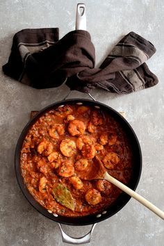Sharing The Best Shrimp Creole! Friends, this is IT! This New Orleans-inspired dish is one I've been making for clients for as long as I've been a personal chef and this recipe never fails to please! Shrimp Dishes, Shrimp Recipes, Baked Fried Chicken, Salmon Tacos, Shrimp Creole, Creole Recipes, Personal Chef, Skillet, Fails