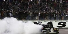 NASCAR Sprint Cup: Jimmie Johnson si impone in volata e agguanta la seconda vittoria consecutiva