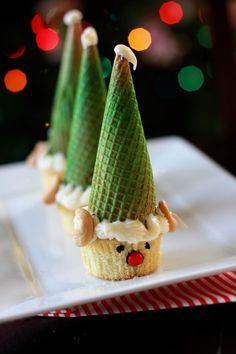 Cupcake Elves by Tasty Kitchen cute idea Christmas Cupcakes, Christmas Sweets, Noel Christmas, Christmas Goodies, Christmas Baking, Winter Christmas, Christmas Crafts, Xmas, Holiday Treats