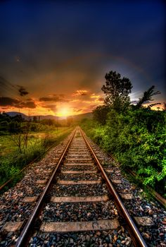 Sun setting over the tracks. Photo Background Images Hd, Blur Background Photography, Studio Background Images, Scenery Photography, Blurred Background, Photo Backgrounds, Railroad Photography, Interior Photography, Trains