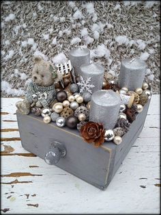 DIY - cottage seasonal decor - beautiful shabby chic Christmas decoration made with branches, pine cones and other natural materials - Love this idea! Winter Wonderland Christmas, Winter Christmas, Christmas Time, Christmas Wreaths, Xmas, Christmas Ornaments, Cottage Christmas, Shabby Chic Christmas Decorations, Christmas Centerpieces