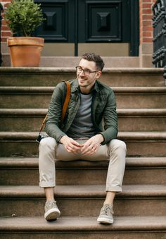 How-to Wear Olive Green Menswear - Bright Bazaar by Will Taylor Olive Jacket Outfit, Olive Clothing, Outfits Hombre, Casual Wear For Men, Herren Outfit, Outfit Trends, Mens Fall, Mens Clothing Styles, Autumn Fashion