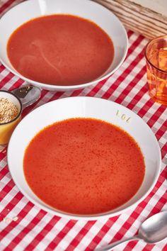 Az igazi paradicsomleves | Street Kitchen Soup Recipes, Food And Drink, Pudding, Soups, Fruit, Desserts, Hungary, Tailgate Desserts, Deserts