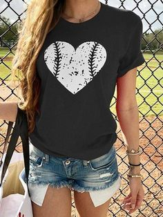 Vintage Short Sleeve Love Heart Printed Plus Size Casual Tops – lokeeda Vintage Shorts, Sleeveless Shirt, Short Sleeve Blouse, Casual T Shirts, Casual Tops, Casual Pants, Shirt Bluse, Fashion Forever, Summer Blouses