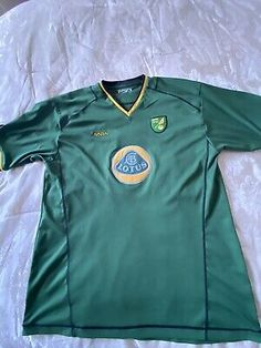 EX DISPLAY OFFICIAL NORWICH CITY FC REPLICA CHILD SHIRTS