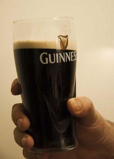 Szlachetny głęboki smak, niesamowity kolor i pianka to jest właśnie Guinness Draught.
