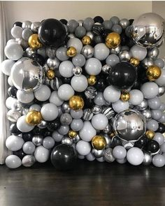 Collection For Girls 30th Birthday Ideas For Women, Birthday Balloon Decorations, Birthday Balloons, Graduation Backdrops, Black Party Decorations, May Birthday, 30th Birthday Parties, Grad Parties