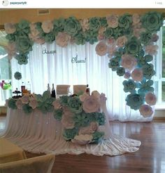 Paper Flowers Craft, Paper Flower Wall, Giant Paper Flowers, Flower Wall Decor, Flower Decorations, Wedding Decorations, Wedding Table, Diy Wedding, Paper Flower Backdrop Wedding