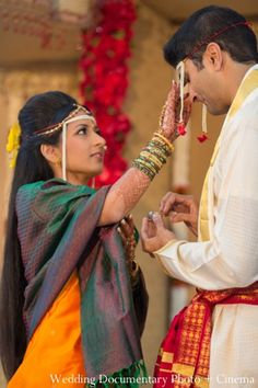 An indian wedding bride and groom performing traditional rituals and customs at their ceremony. Marathi Wedding, Indian Wedding Ceremony, India Wedding, Desi Wedding, Wedding Rituals, Bride Groom, Wedding Photography, Photoshoot, Culture