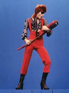 Bowie performing Rebel Rebel on Dutch TV in 1974.