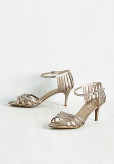 Shoes - Song and Dance Heel in Pewter
