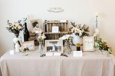 cotynatural wedding photo table styling