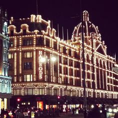 Fanciest department store ever! Cost: £0, trust me, you won't be buying anything here.