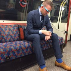 Just checking the time on the Tube, and contemplating what my next Wristi-style photo will be. (at Elephant & Castle London Underground Station) (Suit/Shirt by @Suitsupply, Tie by @Trunk Club, Shoes by @Ted Baker)