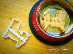 Personalized Maltese cookies Maltese cookie cutter by SugaryCharm Treat Yourself, Make It Yourself, Dog Cookie Cutters, Personalized Cookies, Dog Cookies, Homemade Dog Treats, Maltese, Projects To Try, Ethnic Recipes