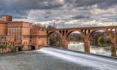 Albi - A UNESCO World Heritage Site, thistown rests peacefully along theTarn River, inviting relaxed exploration via foot orbarge.