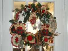 Vintage pot holders and cookie cutters grace a kitchen door wreath Holiday Time, Holiday Ideas, Christmas Ideas, Christmas Wreaths, Christmas Decorations, Holiday Decor, Christmas Past, Country Christmas, Vintage Christmas