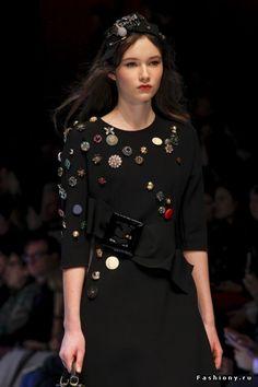 Красота в деталях: Dolce & Gabbana Осень-Зима 2016-2017