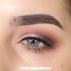 Easy Wedding Makeup - Eye Makeup - - Make Up - Makeup Hochzeit Eye Makeup Tips, Makeup Goals, Eyebrow Makeup, Makeup Videos, Skin Makeup, Makeup Inspo, Eyeshadow Makeup, Makeup Inspiration, Beauty Makeup