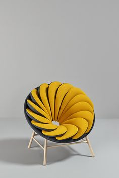 A Chair Inspired By Birdsu0027 Feathers
