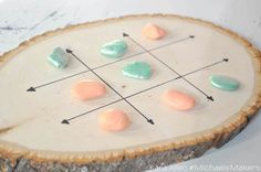 Who could resist a game of tic-tac-toe when sitting next to this pretty game board made from a tree slice? Woodworking Projects For Kids, Diy Wood Projects, Diy Woodworking, Wood Crafts, Home Decor Colors, Home Decor Items, Colorful Decor, Diy Home Decor, Room Decor