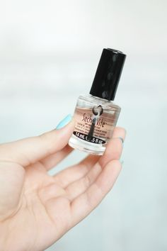 THE SMUDGE PROOF TOP COAT THAT CHANGED MY LIFE. - Seche Vite is the top coat that everyone NEEDS to own!
