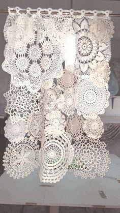 Tendina tricot Shabby style – 2019 - Lace Diy Tendina tricot Shabby style 2019 Tendina tricot Shabby style The post Tendina tricot Shabby style 2019 appeared first on Lace Diy. Cortinas Shabby Chic, Rideaux Shabby Chic, Shabby Chic Curtains, Shabby Chic Decor, Gypsy Curtains, Vintage Curtains, Lace Curtains, Boho Decor, Doilies Crafts