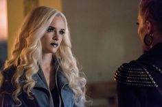 """'The Flash': """"Girl's Night Out"""" Photos Offer First Look At Katee Sackhoff As Amunet Black"""