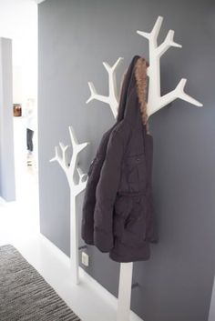 Kids room tree coat rack hallways, house ideas, wood, home decor, runners Tree Coat Rack, Coat Tree, Coat Racks, Coat Hanger, Wall Hanger, Wall Hooks, Home And Deco, Home Organization, Organizing