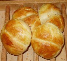 Recette Petits pains au lait en 15 min Cooking Bread, Cooking Chef, Cooking Recipes, Cooking Games, Bakers Yeast, Köstliche Desserts, Bread Rolls, Donuts, Bakery