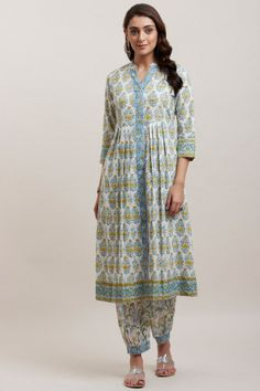 Designer Wear: Shop Designer Ethnic Wear by Farida Gupta Kurti Designs Party Wear, Salwar Designs, Blouse Designs, Indian Bridal Outfits, Indian Dresses, Jaipuri Suits, Simple Kurti Designs, Fashion Pants, Fashion Outfits
