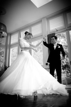 Ockenden Manor, Cuckfield. Wedding Photographer Brighton - Female Photographer Sussex - Gallery 4. The Evening. First dance