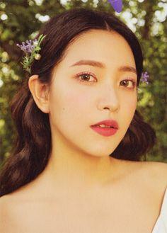 Check out Black Velvet @ Iomoio Seulgi, Kpop Girl Groups, Korean Girl Groups, Kpop Girls, Irene, Asian Music Awards, Kim Yerim, Amazing Flowers, South Korean Girls