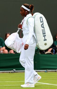 Maria Sharapova, Roger Federer Join Slew Of Top Players Gone On Day 3 Of Wimbledon 2013 Sloane Stephens, Tennis Players Female, You Go Girl, Sports Figures, Maria Sharapova, Roger Federer, Wimbledon, Black People, Ice Skating